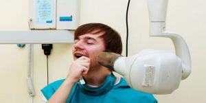 العلاقة مباشرة بين اشعة فحص الأسنان وسرطان الدماغ